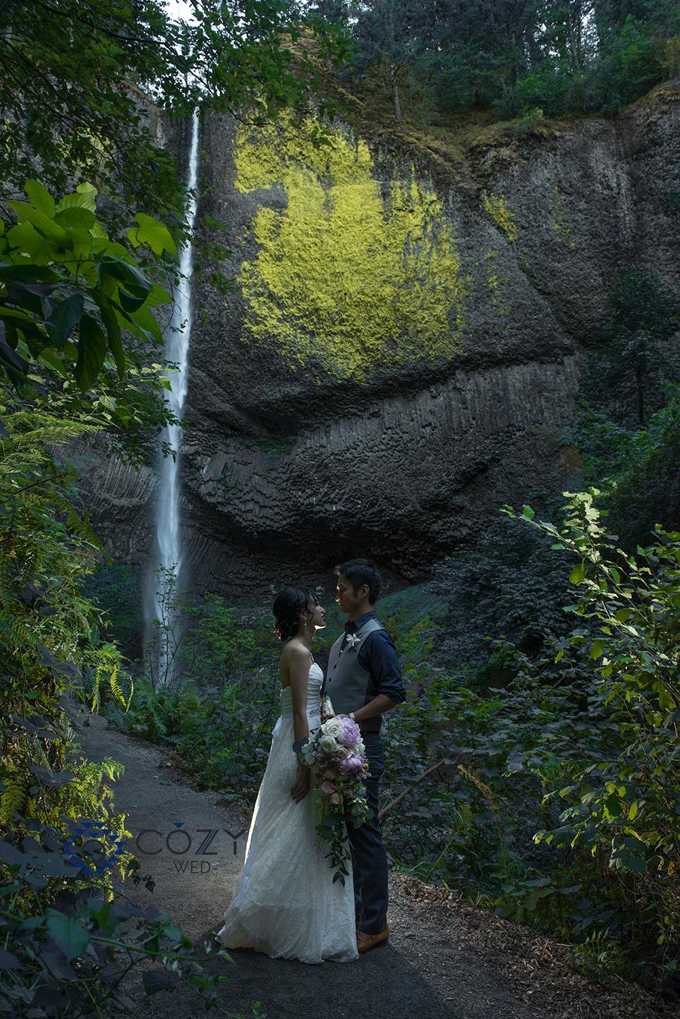 ポートランド‐オレゴン州-コロンビア渓谷-ポートランド旅行-ハネムーン-西海岸-マルトノマ-滝
